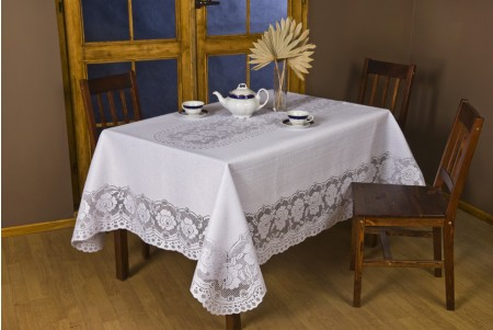 652 European Lace Tablecloth